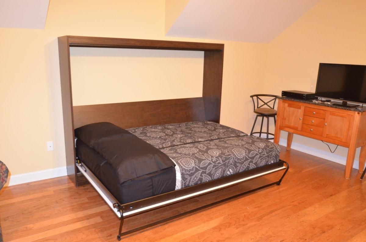 Thatu0027s A U201cfull Sizedu201d Mattress In This Lateral Tilt Wall Bed.